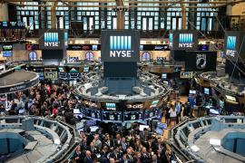 Nhà giàu Mỹ đổ tiền vào chứng khoán