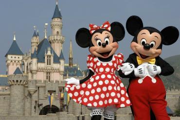 Disney đóng cửa tất cả các công viên chủ đề do đại dịch Covid-19