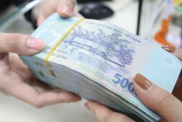 Hàng loạt ngân hàng giảm lãi suất huy động từ tháng 3