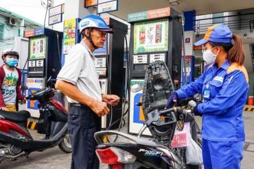 Giá xăng giảm xuống mức 10 ngàn/lít, thấp nhất 13 năm qua