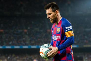 Messi chấp nhận giảm lương nhiều chưa từng có để giúp Barca