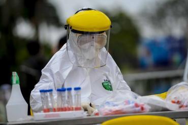 Virus SARS-CoV-2 biến đổi chậm hơn virus cúm 4 lần: Thuận lợi để phát triển vắc xin?