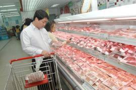Cấp đông, dự trữ thịt lợn để đảm bảo nguồn cung cho thị trường