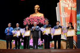 Ông Johnathan Hạnh Nguyễn nhận Huân chương lao động Hạng 2