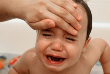 Sai lầm khi hạ sốt cho trẻ bạn phải dừng lại ngay