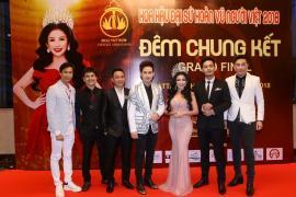 Ca sĩ Nguyên Vũ, Mc Phan Anh cùng Siêu mẫu Nam Phong ngồi ghế Nóng Cuộc Thi Sắc Đẹp tại Thái Lan