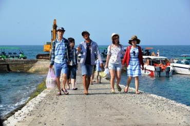 Quảng Ngãi thống nhất thu phí du khách đến Lý Sơn