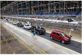 Vingroup thu về gần 6.200 tỷ đồng từ bán xe và điện thoại trong nửa đầu năm 2020