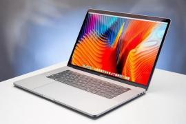 MacBook Pro có thể phát nổ do lỗi pin, đâu là cách để kiểm tra máy của bạn có bị cấm lên máy bay hay không?