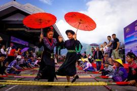 Màn nhảy sạp đông nhất tại Fansipan lập kỷ lục Việt Nam