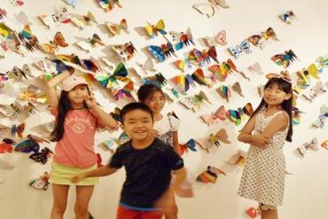 """""""Hóa thành bươm bướm"""" với sự tham gia của 1.300 trẻ khuyết tật trên khắp thế giới"""