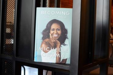 Gia đình Obama: 28 năm hạnh phúc là nhờ vào khả năng cân bằng giữa sự nghiệp và gia đình của Michelle Obama