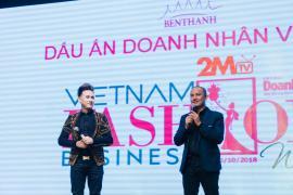 Ca sĩ Nguyên Vũ xúc động trong đêm cuối Tuần lễ thời trang dấu ấn doanh nhân Việt Nam