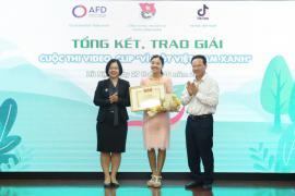 """Trao giải Cuộc thi """"Vì một Việt Nam xanh"""""""