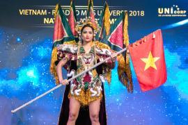 Hoa hậu H'HEN NIÊ mang Chim Lạc Trống Đồng đến với MISS UNIVERSE 2018