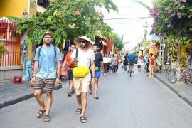 Khách quốc tế đến Việt Nam tăng mạnh trong tháng 10