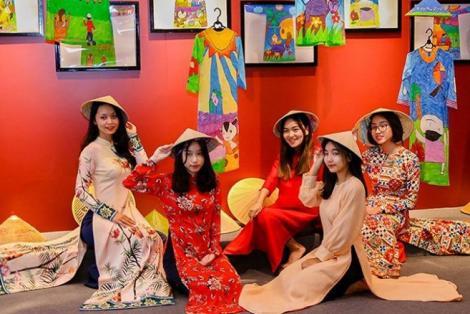 Quảng bá giá trị di sản văn hóa trong phát triển du lịch