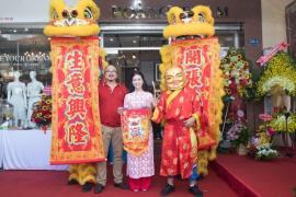 Công ty Sư tử Vàng khai trương Showroom Hoàng Trầm tại TP.HCM