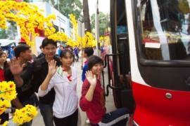 Chủ động kết nối để bán vé tàu, xe Tết cho học sinh, sinh viên tại trường